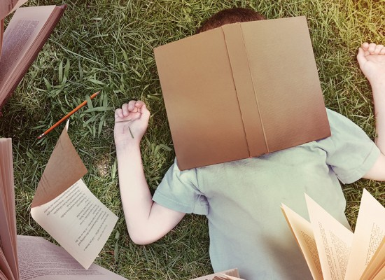 Descubra por que ler dá sono e ponha a leitura em dia